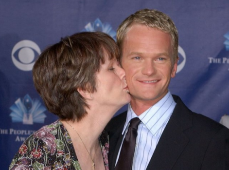 neil-patrick-harris-and-his-mom-580x429.png
