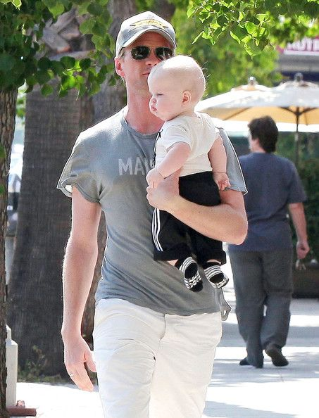neil_patrick_harris_family_out_father_day_gpbxkybczzjl.jpg